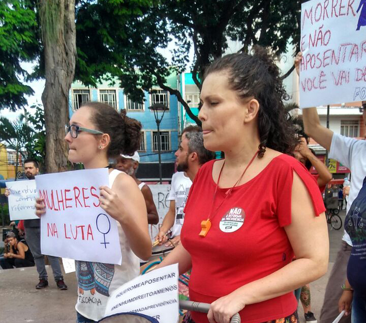 Protesto em Taubaté agita praça Dom Epaminondas