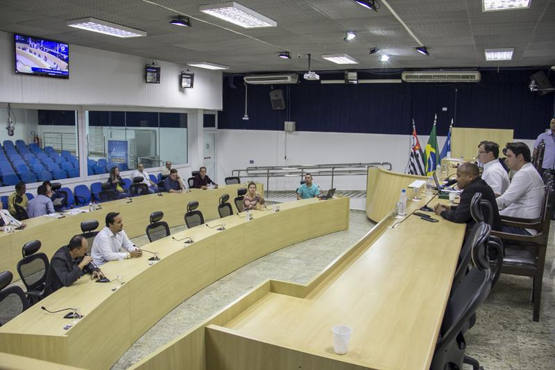 Câmara de Taubaté aprova revisão para funcionalismo municipal