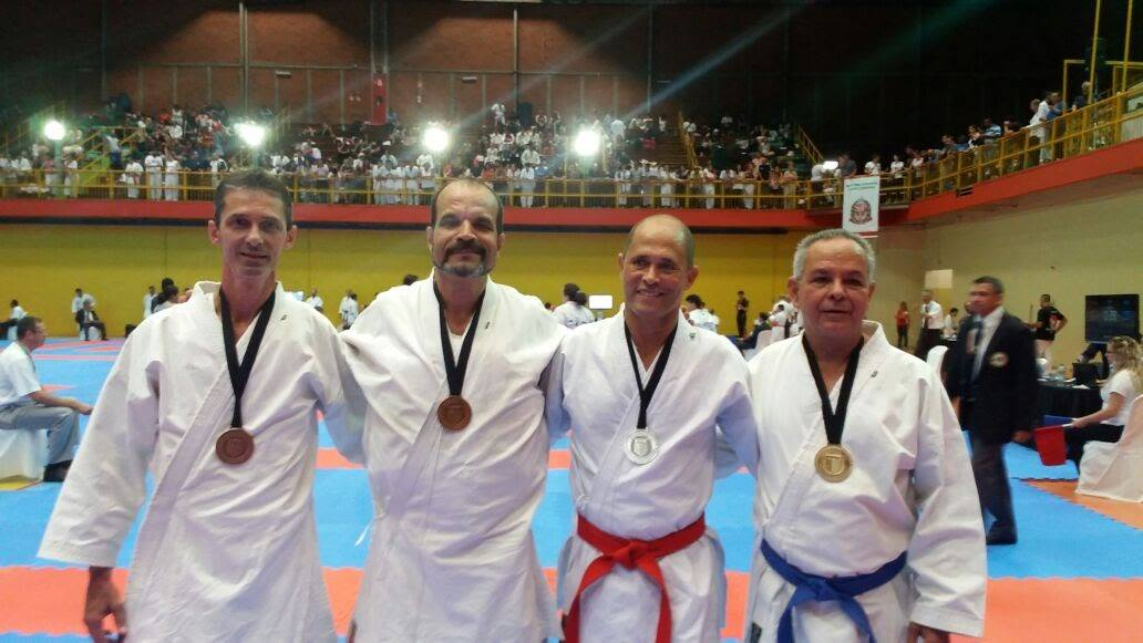 Karatecas da Academia Hatha continuam  a sua jornada