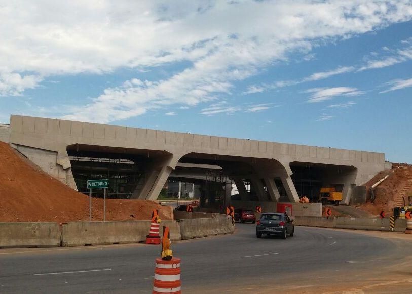 Obras na Dutra alteram tráfego neste final de semana