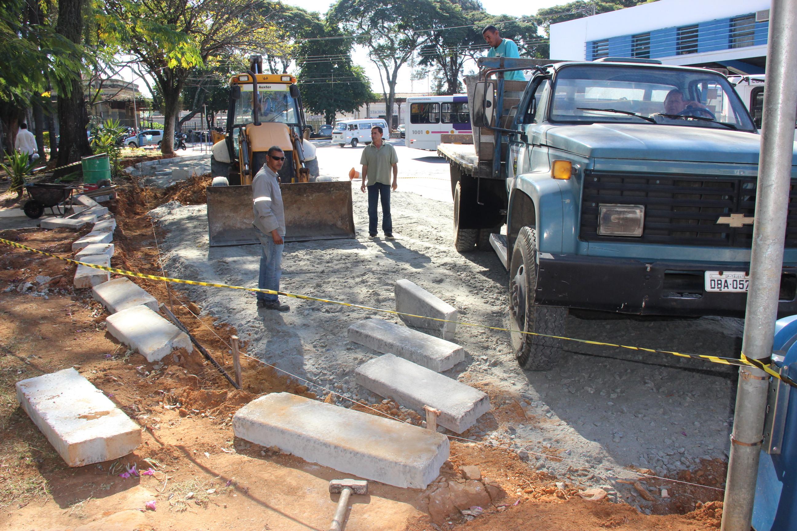 Entorno da Rodoviária Velha recebe obras para integração do transporte