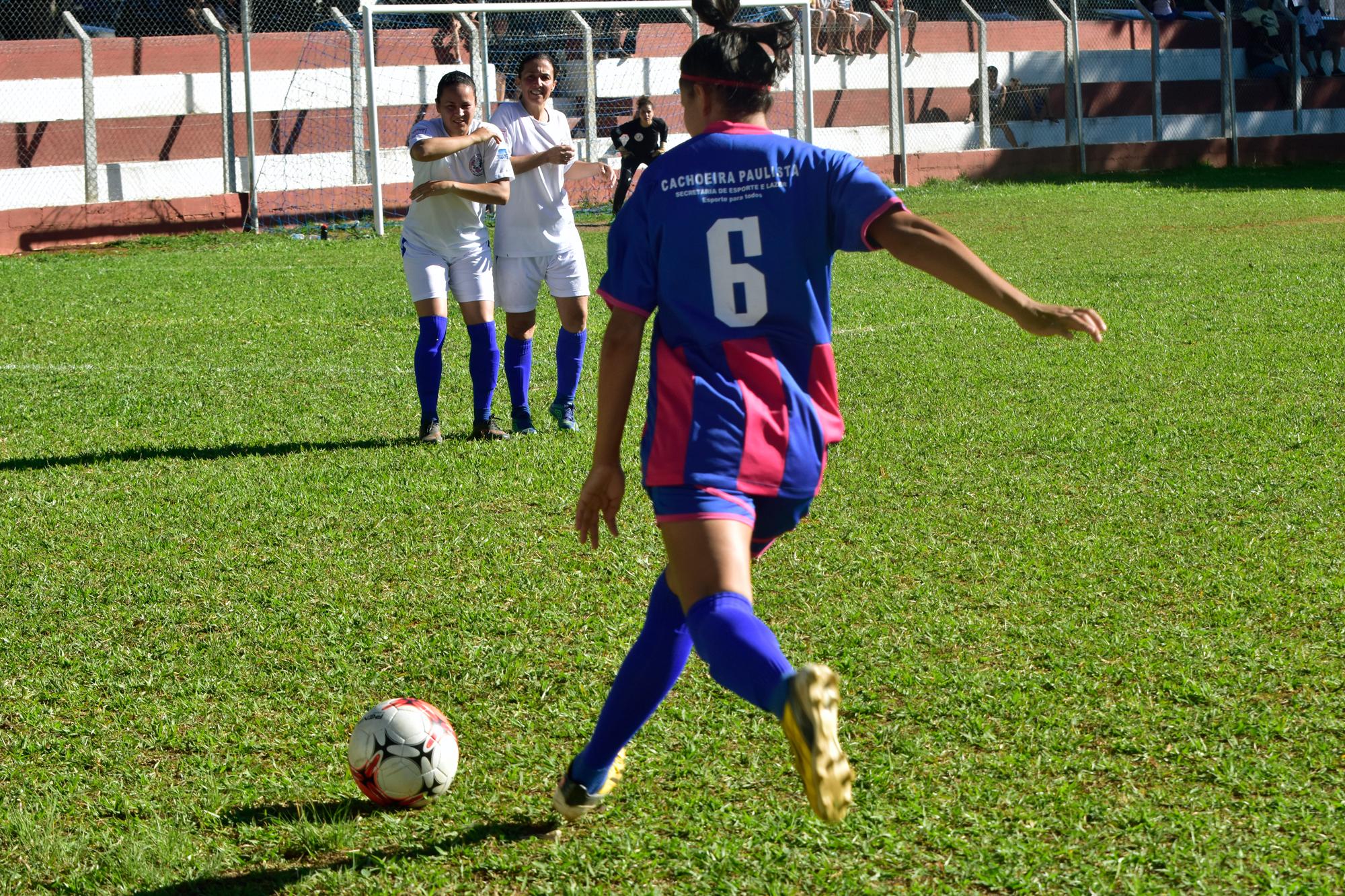 Taça Mulher realiza semifinais com vitórias de Caçapava e de Taubaté