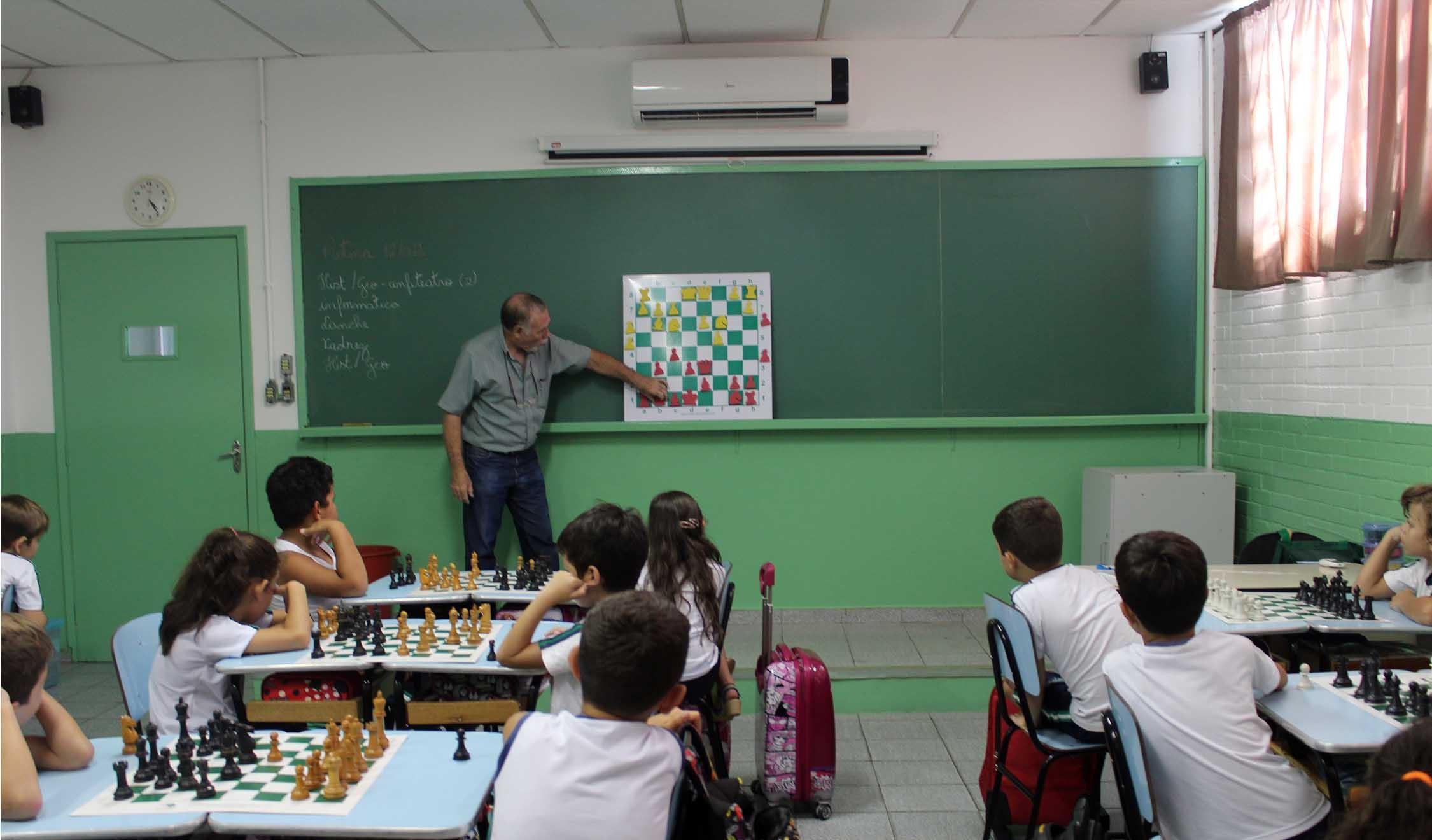 Ensino de xadrez poderá ser obrigatório nas escolas de Taubaté