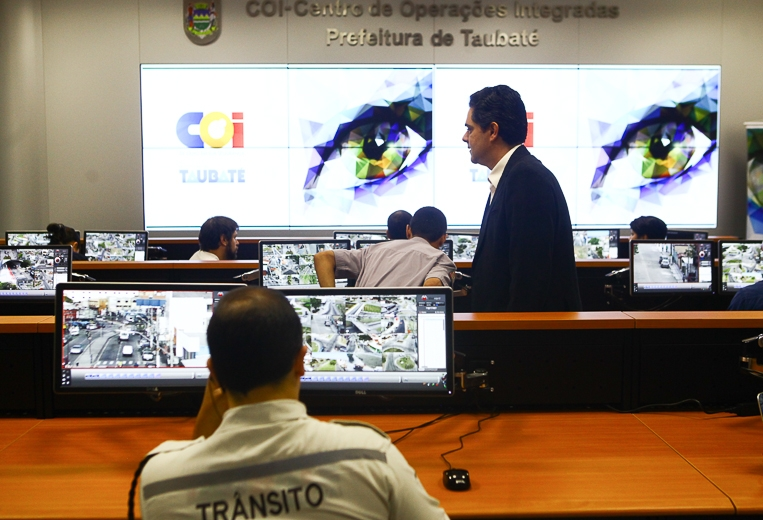 COI auxilia Guarda Civil na apreensão de produtos pirateados