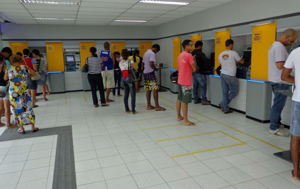 Agências bancárias reabrem na quarta para atendimento ao público