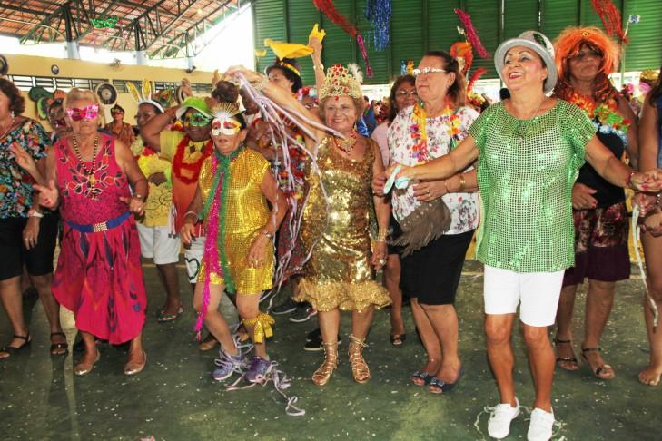 Secretaria de Desenvolvimento e  Inclusão Social promove Carnaval  para idosos em Taubaté