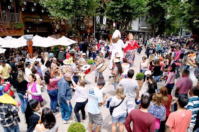 Carnaval de Campos do Jordão terá Corso, Marchinhas, Turma da Mônica, Orquestra e Teatro